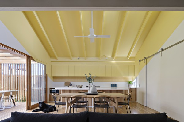 Металлический сайдинг на потолок