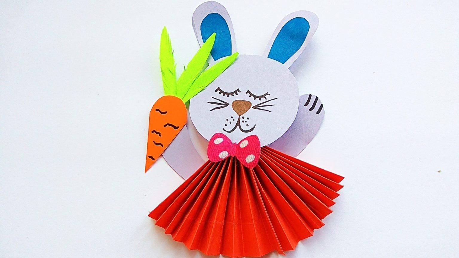 Собранный заяц из бумаги