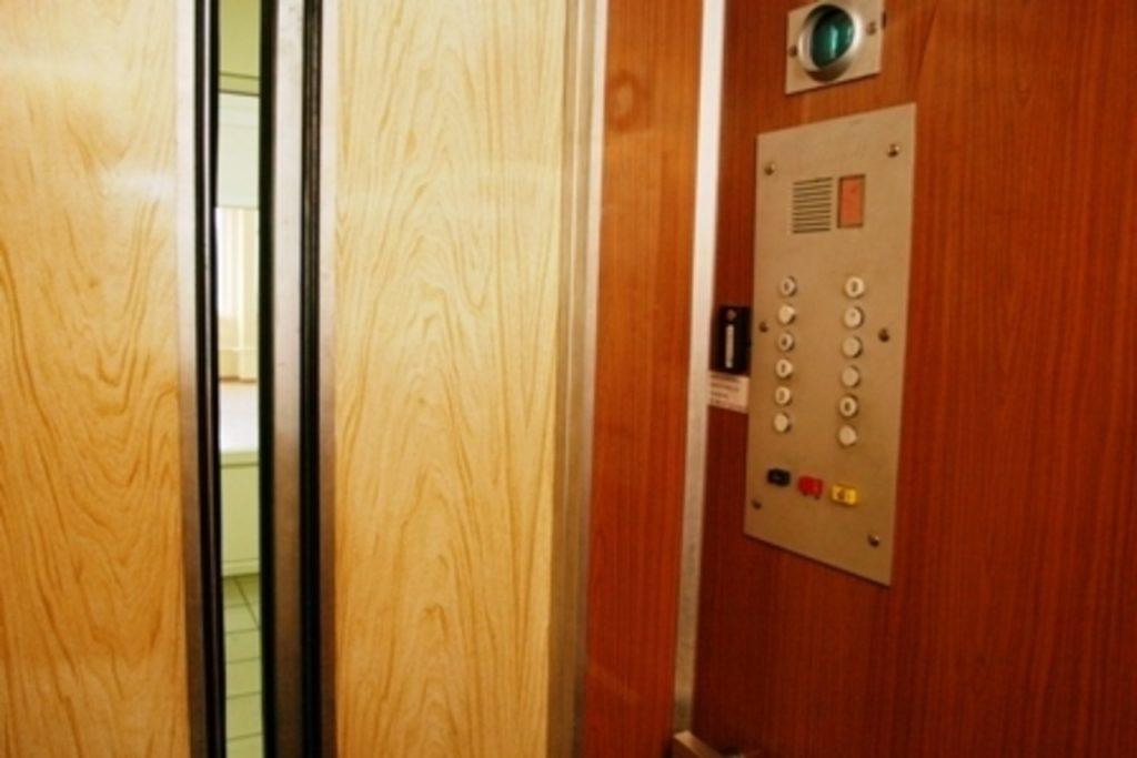 Лифт.