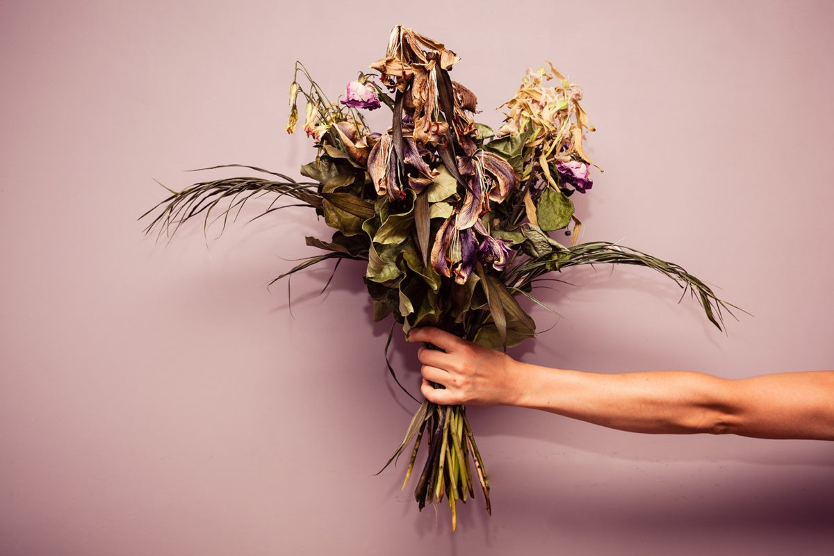 Мертвый букет цветов
